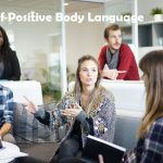positive body language hindi